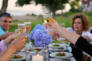 120517-Summer-Parties_Dinner-Party
